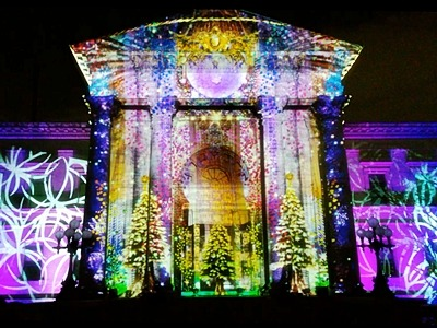 大阪市中央公会堂のウォールタペストリー, the Wall-Tapestry Lighting Show on Facade of the Osaka Prefectural Nakanoshima Library
