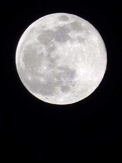 満月, a full moon