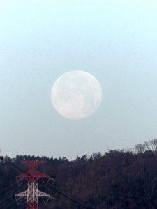 スーパームーンの月の入り, tolab_201901_super_moon_setting