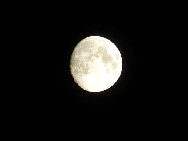 月のクレーターは満月ではない方が見やすい, Avoid the full moon when you want see a moon crater