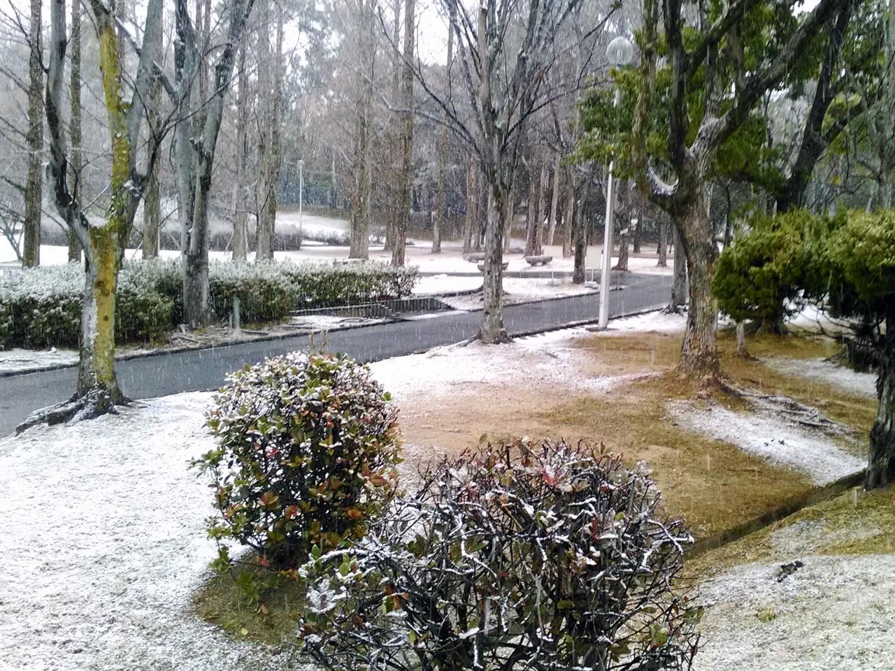町に雪が降った日, a snowy day