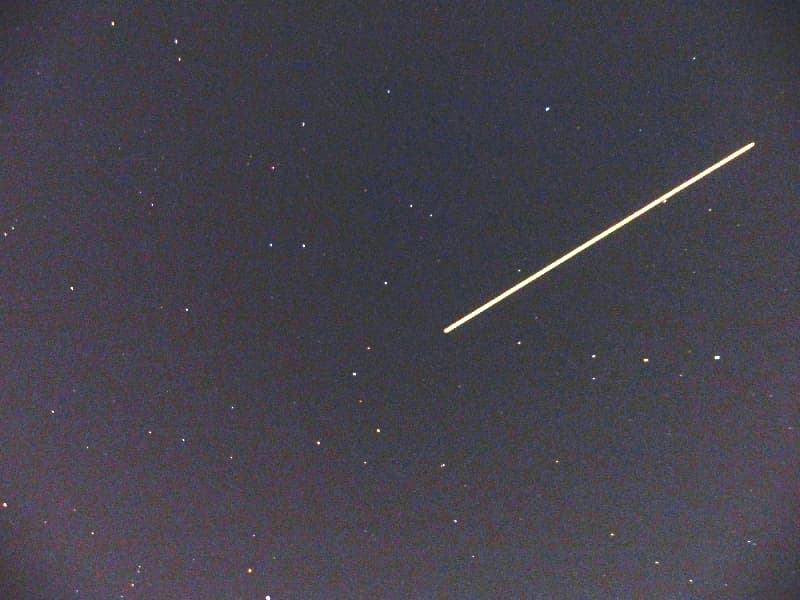 ISSの軌跡(露光時間8秒間), Track of ISS (International Space Station)